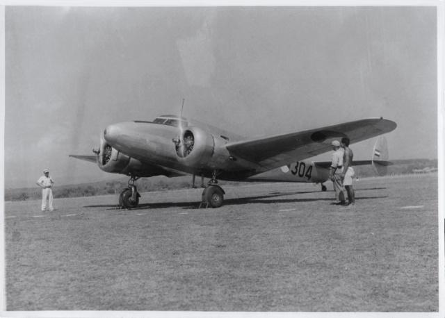 Lockheed L-12 T-304
