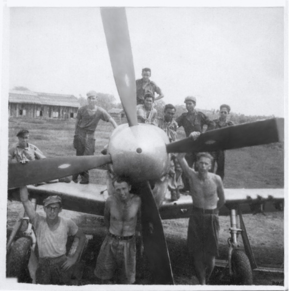 Tech's with P-51 122sqn 1947